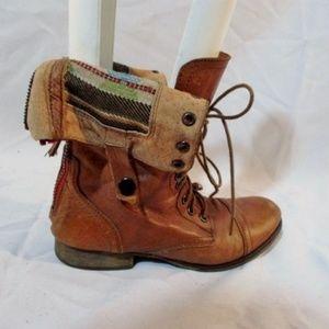 STEVE MADDEN CAMARRO LEATHER Tapestry Boot